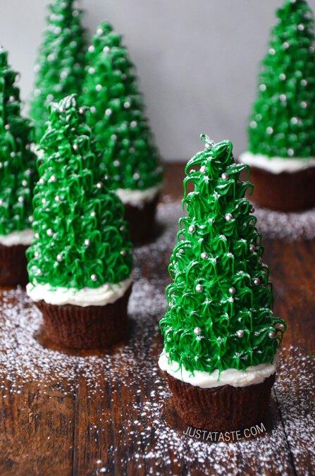 2. Christmas Tree Cupcake
